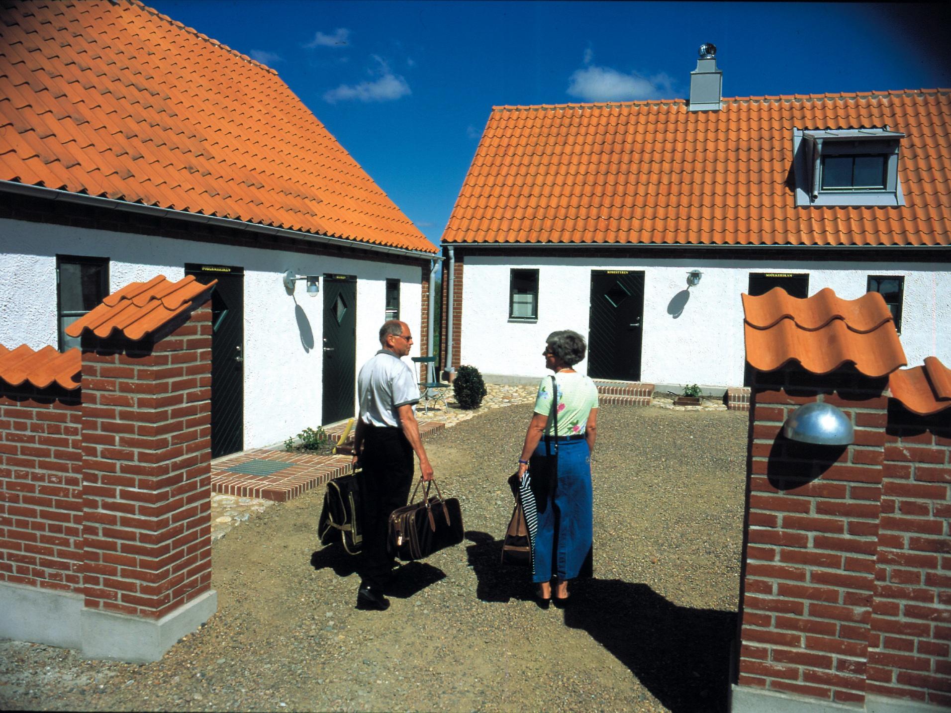 Par utanför Möllegårdens konferensboende
